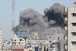 İsrail ordusu, AP ile Al-Jazeera'nın ofisinin de olduğu binayı vurdu