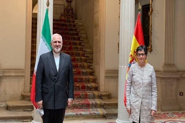 Iranian, Spanish FMs exchange views on economic, trade coop.