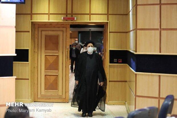 İran Yargı Başkanı cumhurbaşkanlığı seçimlerine aday oldu