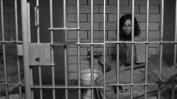 از هر ۵ زن زندانی در بریتانیا ۴ نفر قربانی خشونت خانگی است