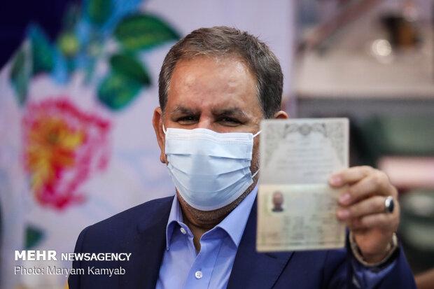 ثبتنام اسحاق جهانگیری در انتخابات ریاستجمهوری سیزدهم