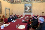 وزير الخارجية الايراني يلتقي بابا الفاتيكان فرنسيس