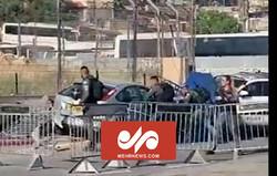 Filistinli sürücünün Siyonist askerleri ezdiği an kamerada