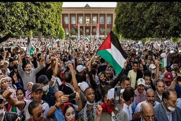 المغاربة يواصلون احتجاجهم تنديدا بجرائم الكيان الصهيوني على غزة والقدس