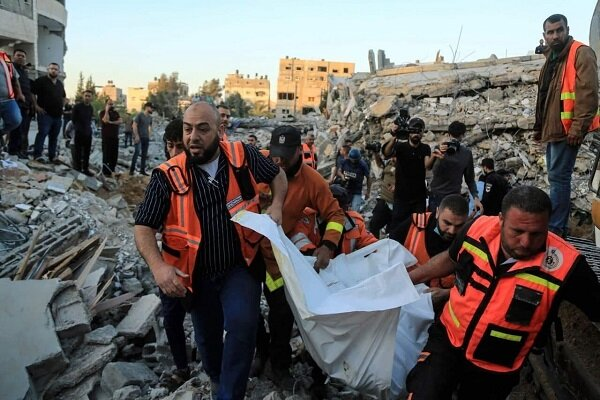 Zionist regime continues air raids as day breaks