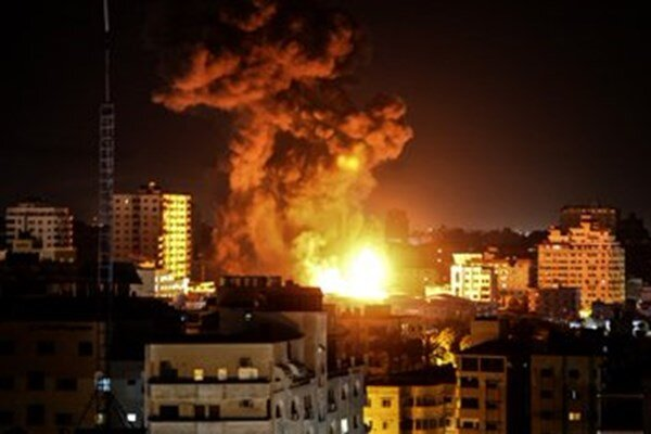Zionists cary out extensive, successive attacks on Gaza
