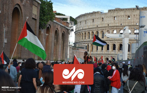VIDEO: Italian people hold rally in support of Palestinians