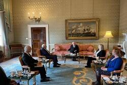 ظريف يلتقي الرئيس الايرلندي في دبلن