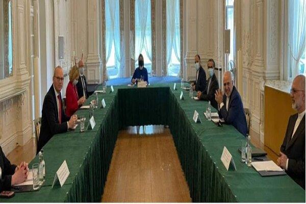 «ظریف» با وزیر امور خارجه ایرلند دیدار کرد