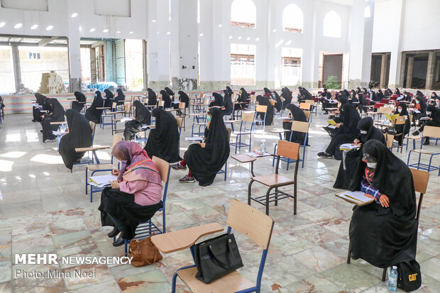 آزمون اعطای مدرک تخصصی به حافظان قرآن در رفسنجان برگزار شد