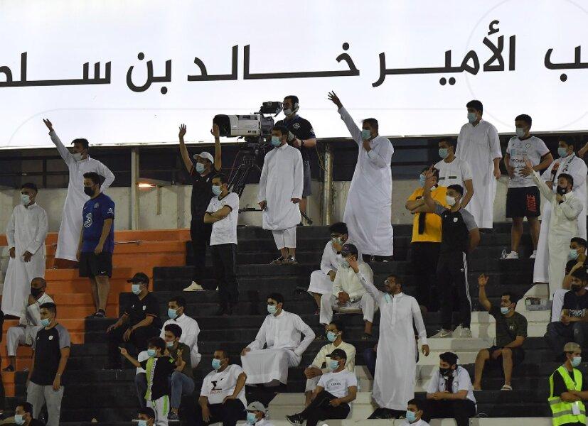 زنگ خطر برای استقلال و تراکتور درآسیا/بازگشت تماشاگران در عربستان