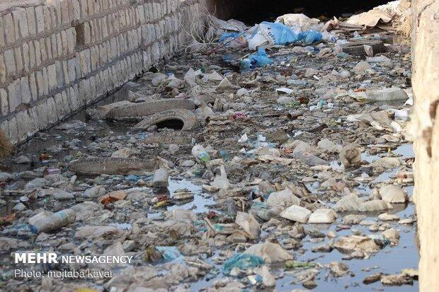 بوی نامطبوع زباله در سرابله/سیل بندهای شهر نیازمند لایروبی است