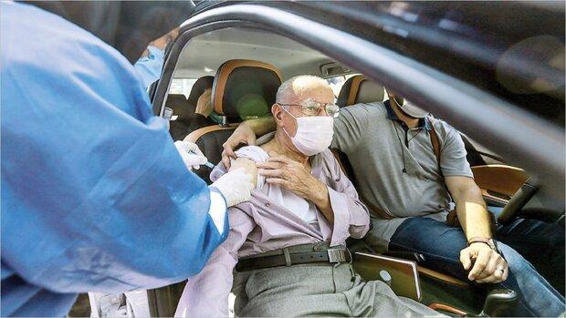 راه اندازی مرکز واکسیناسیون خودرویی در ورزشگاه آزادی