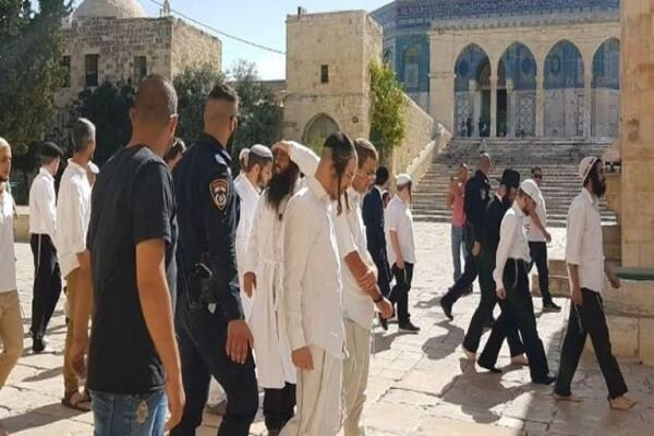 Zionist settlers enter Al-Aqsa 2 days after ceasefire