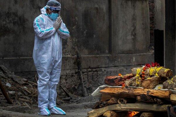 Hindistan'da Kovid-19 nedeniyle son 24 saatte 3 bin 847 kişi öldü