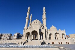Azerbaycan'da camiler yeniden ibadete açılıyor