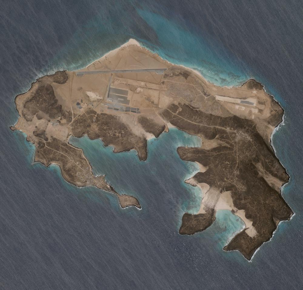 UAE building military base in Bab al-Mandeb: Report
