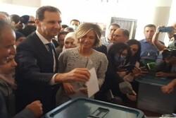 «بشار اسد» رأی خود را به صندوق انداخت/ ملت سوریه در مقابل تروریسم متحد است