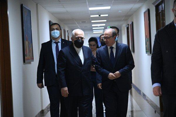 Iran-Armenia friendship key to regional peace: Yerevan