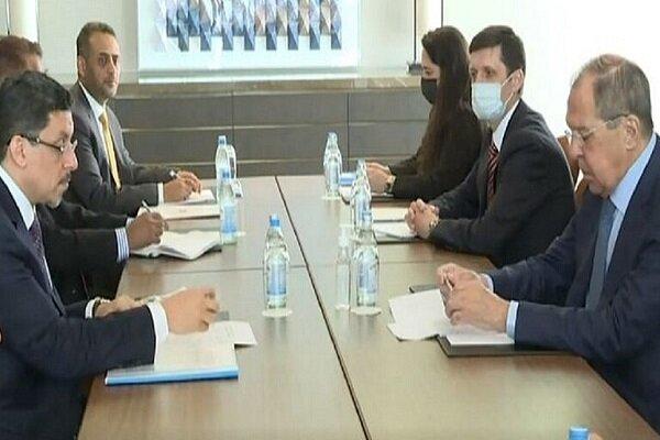 لافروف يجري محادثات مع نظيره اليمني حول حل الأزمة اليمنية