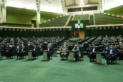 البرلمان الايراني سيناقش أهلية وزراء الرئيس الجديد