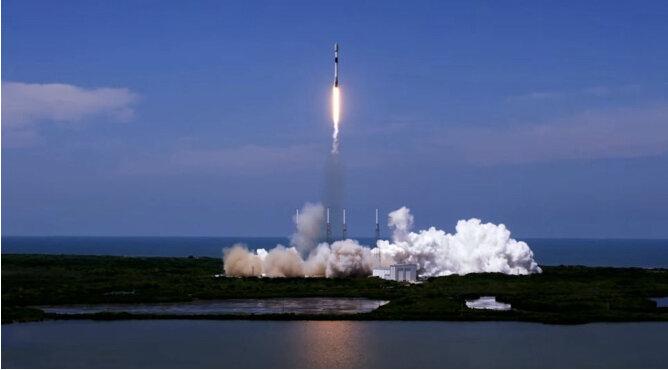 اسپیس ایکس ۶۰ ماهواره اینترنتی به فضا فرستاد