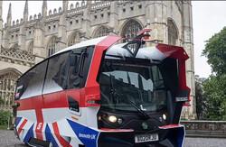 اتوبوس های خودران مسافران انگلیسی را جابجا می کنند