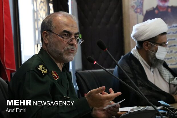 IRGC supports no candidate in elections: Javani