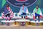 ربّاعة إيرانية تحصد أربع ميداليات في بطولة العالم لرفع الأثقال