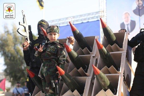 الآلاف الفلسطینیين يشاركون في مهرجان «سيف القدس .. اقترب الوعد» وسط مدينة غزة