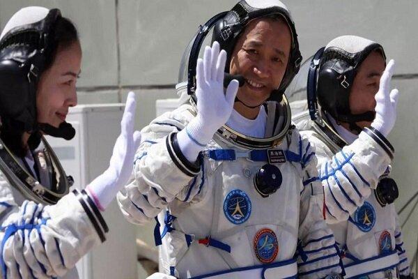 الصين تعتزم ارسال ثلاثة رواد إلى محطتها الفضائية الجديدة