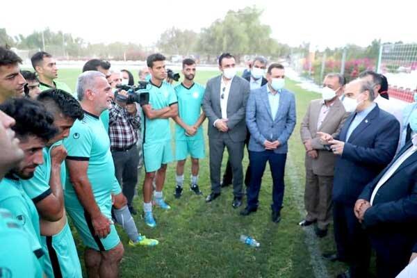 حضور وزیر ورزش در تمرینات تیم ملی فوتبال ناشنوایان