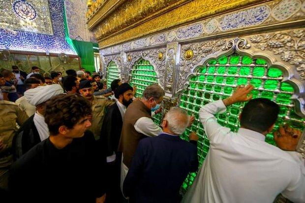 پاکستانی وزیر خارجہ کی نجف اشرف میں حضرت علی (ع) کے روضہ مبارک پر حاضری