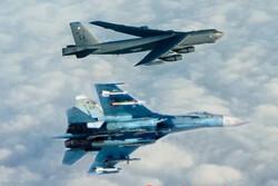 جنگنده روسیه بمب افکن «بی -۵۲» آمریکا را رهگیری کرد