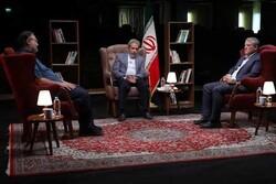 محسن هاشمی و محمدصادق کوشکی مهمانان امشب «مجری»