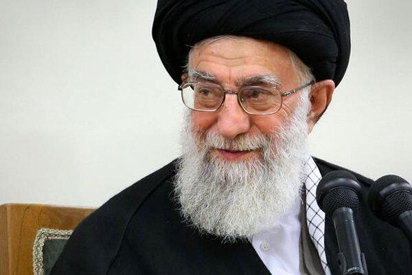 قائد الثورة الإسلامیة: فلتقاوم الشعوب المسلمة تدخلات  أمريكا وشرورها