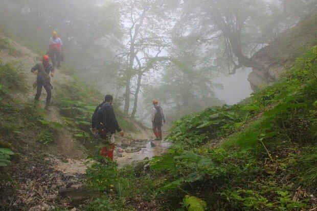 طبیعت گردان گمشده در ارتفاعات «زیارت» به مکان امن منتقل شدند