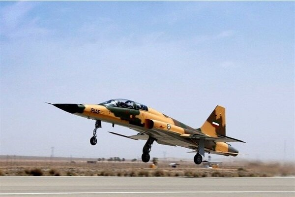 Preliminary details of martyrdom of 2 pilots in Dezful