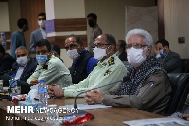 نشست رییس بنیاد شهید کشور با خانواده شهدای ۱۵ خرداد ورامین