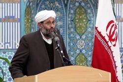 باید شخصیت امام خمینی را به نسلهای آینده معرفی کنیم