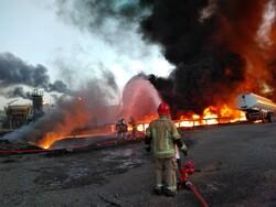 اعزام آتش نشانان ۶ ایستگاه به پالایشگاه/حریق در یکی از مخازن بود