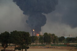 تجدد إشتعال النار في مصفاة طهران