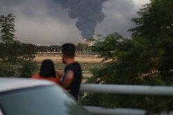ستون دود ناشی از آتش سوزی در پالایشگاه تهران