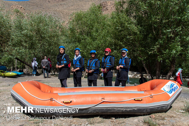 Rafting competitions in Zayandeh Rud