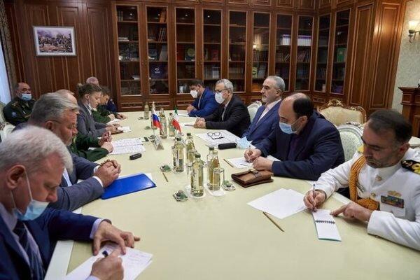 ایران و روسیه تعاملات دفاعی را گسترش می دهند