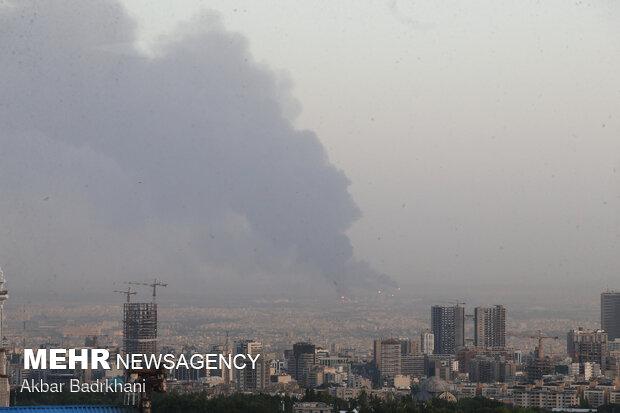 ستون دود ناشی از آتش سوزی در جنوب تهران