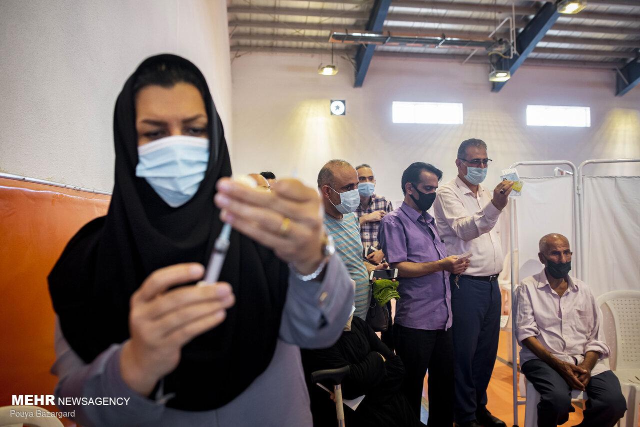 ایرانی ها تاکنون ۵ میلیون و ۶۱۳ هزار دوز واکسن کرونا زده اند