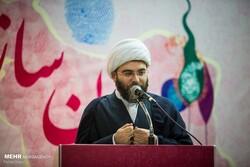 """مکتب امام خمینی (رہ)  میں """"عوام """" پر توجہ بنیادی اصولوں میں شامل ہے"""