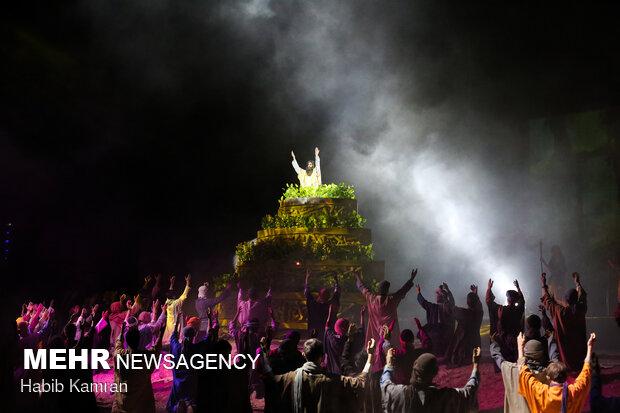 اجرای نمایش بزرگ « ارض الشمس» در شهر سیدة زینب سوریه