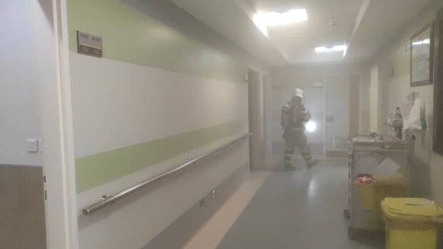 آتش سوزی در بیمارستان محب کوثر/ دهها نفر نجات یافتند